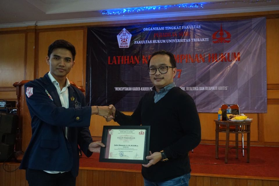 Our CEO, Mr. Andru, is awarded from the workshop/seminar committee.